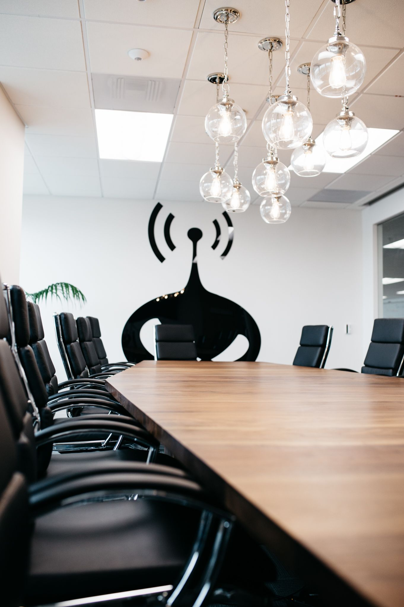 SICK OFFICES, COOL CONFERENCE ROOM, CONFERENCE TABLE, COMMERCIAL DESIGN, OFFICE DESIGN