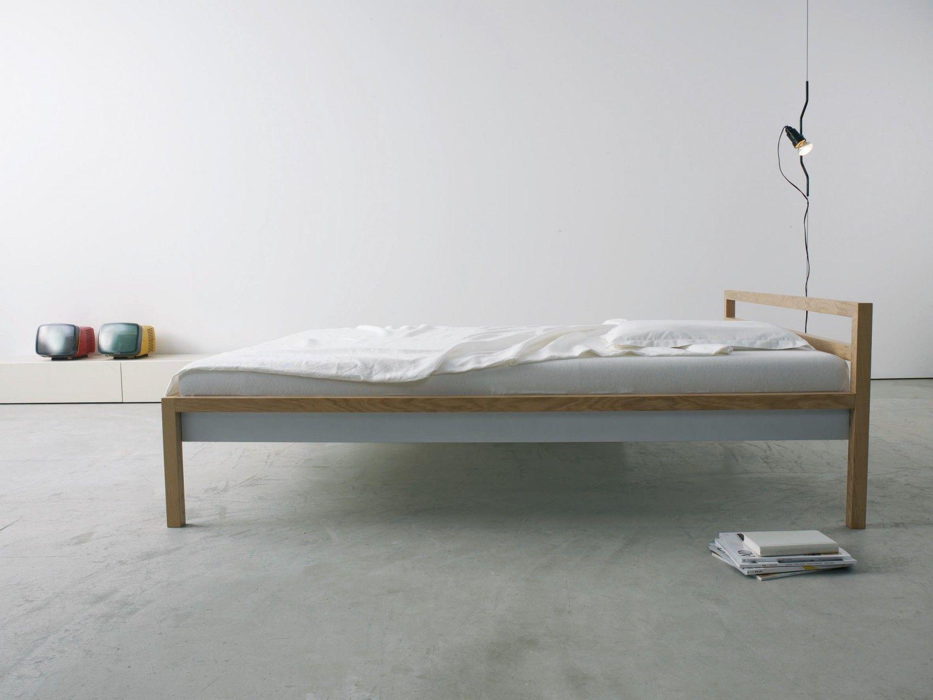 Das einfachste einfach schöne Bett von more. Der komplette Rahmen ...
