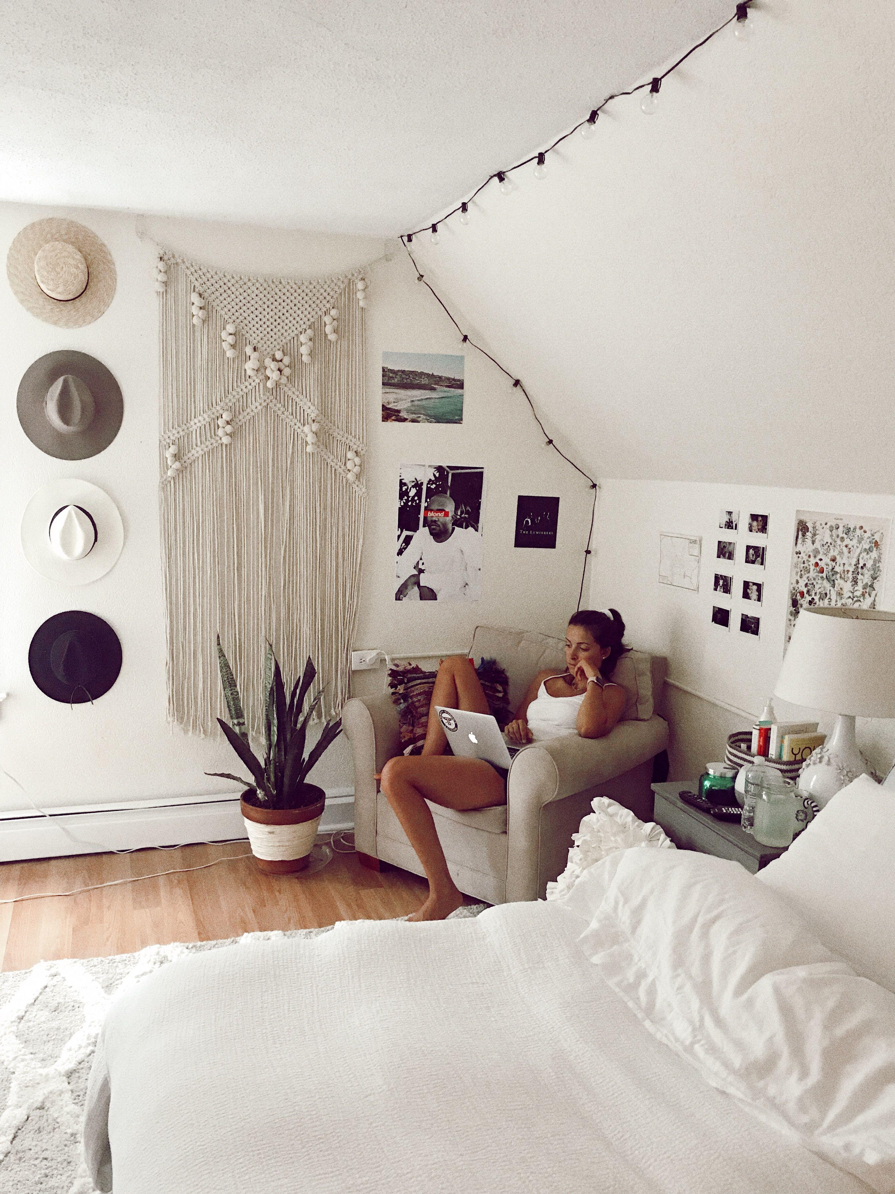 Pin by nofiiii on Minimalist Room  Boho dorm room, Room