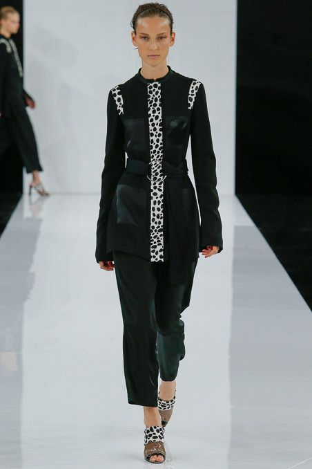See the Edun Spring 2015 collection on Vogue.com.