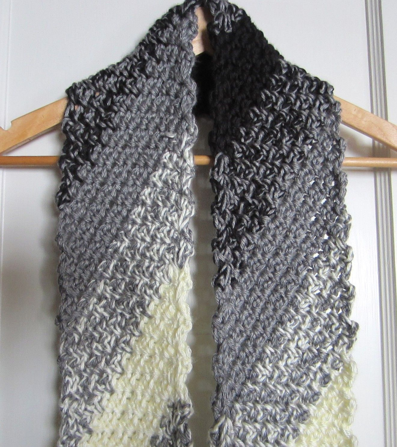 A New Scarf       Diagonal Crochet-In Black, Grey and White