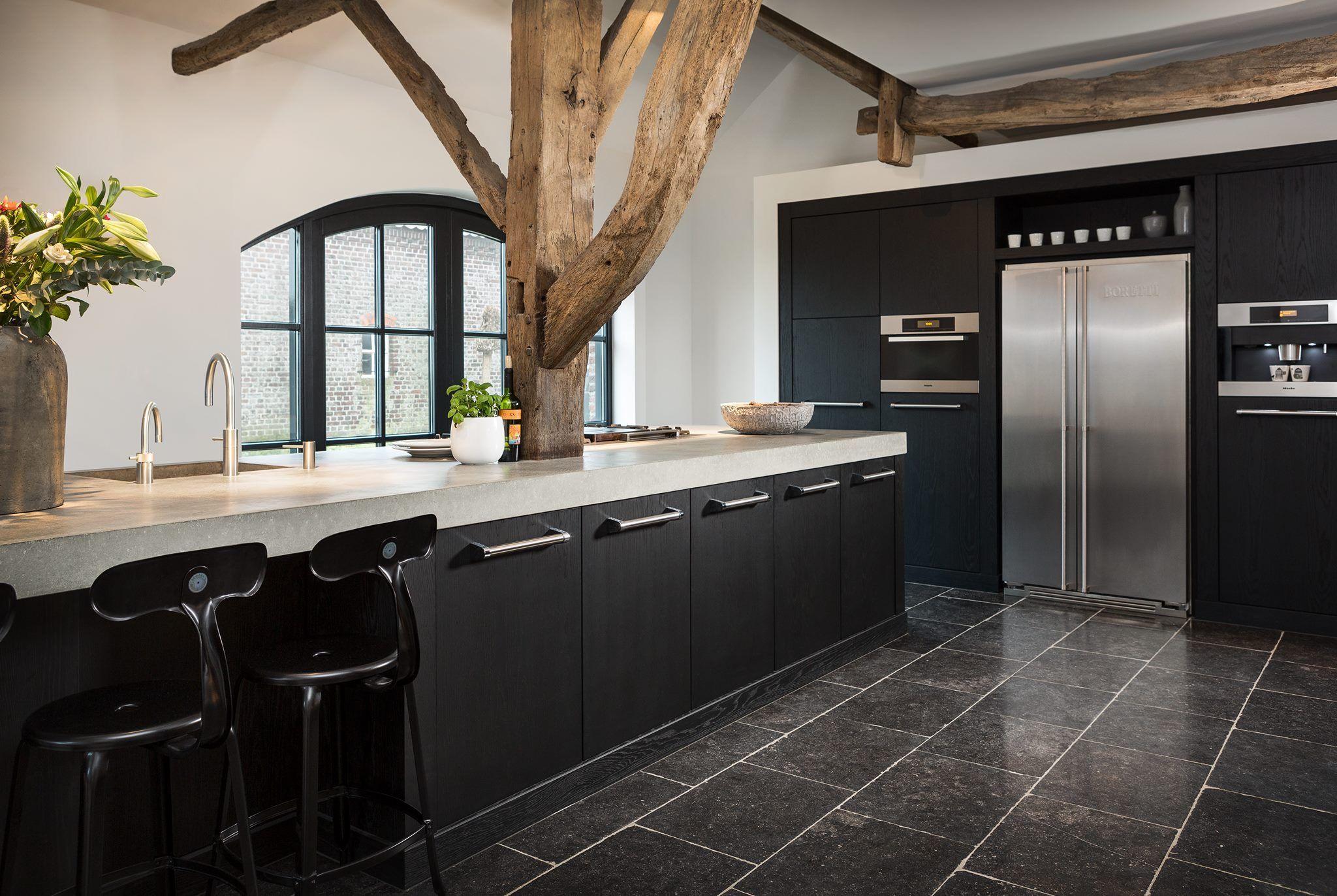 Model 'praag' van tristar. een prachtige eikenhouten keuken ...