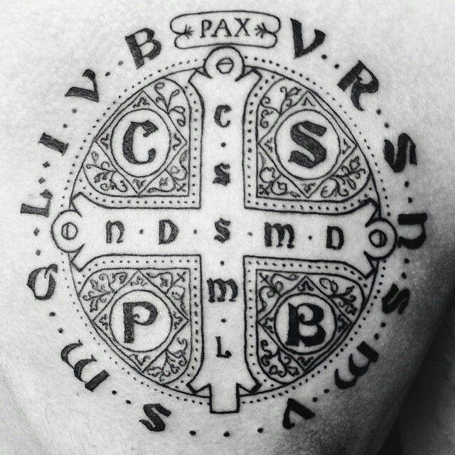 pin de jim bennett en catholic tattoos pinterest tatuajes ideas de tatuajes y san benito. Black Bedroom Furniture Sets. Home Design Ideas