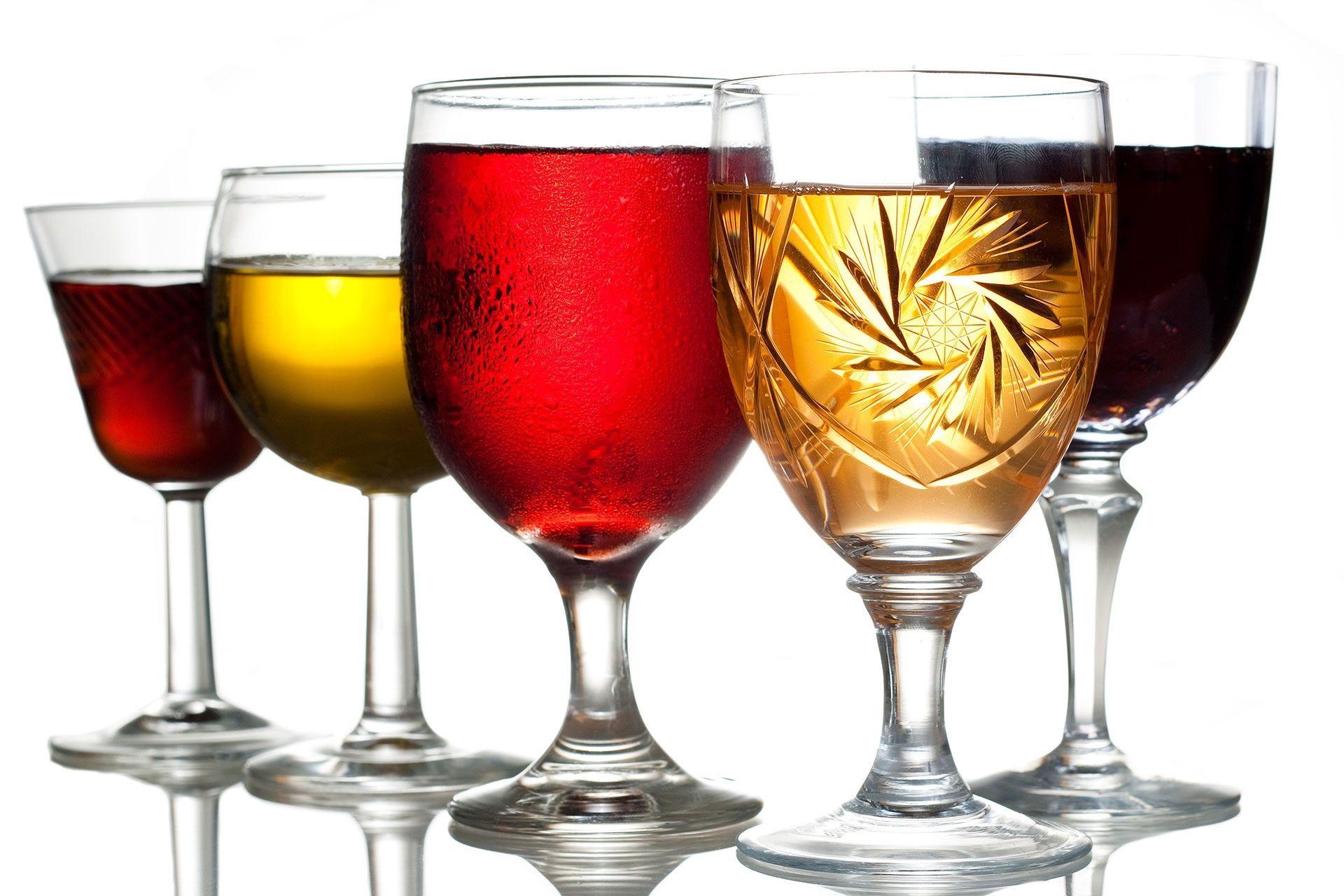 Hozyajka Doma Vskryla Stenu I Razgadala Tajnu Mafii 30 H Godov Zhenshina Zanimalas Remontom V Svoem Dome I Sluchajno Obnaruzhila Tajn In 2020 Alcohol Glass Goji Berries