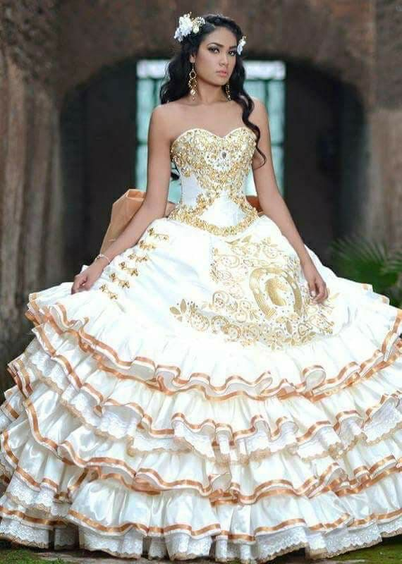 dbe5869f1a4 Pin by Sarai Azucena Ojeda on Quinceanera dresses in 2019