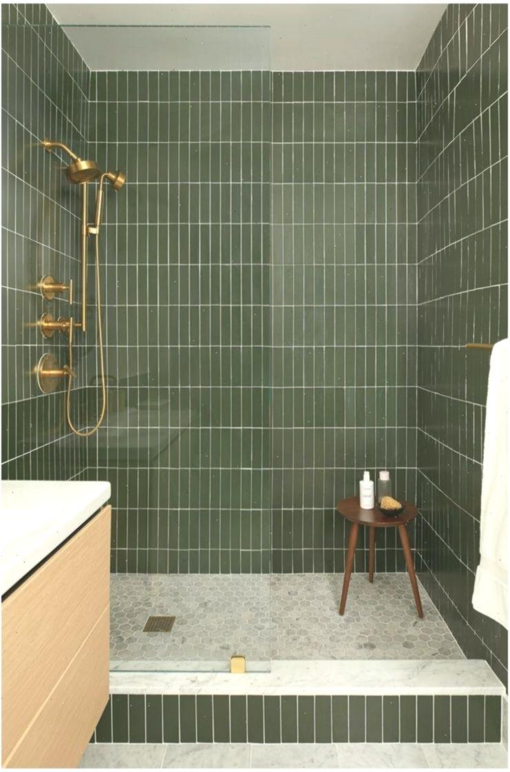 Badezimmer Dusche Innenraume Grune U Fahrbahn Rinnen Renovierung Messing Hardware Mogli Bad Bath Green Subway Tile Bathroom Design Decor Fireclay Tile