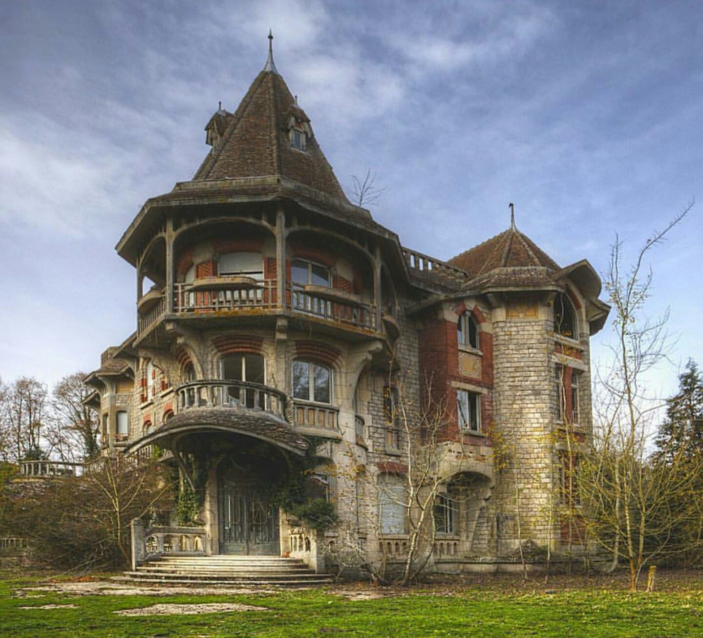 Colimacon Manor, France