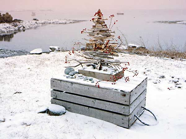 Celebrate Christmas By The Shore With What You Found There