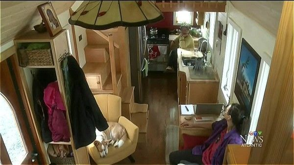 Amazing Tiny Home On Wheels With A Dog Elevator House On Wheels Tiny House On Wheels Tiny House