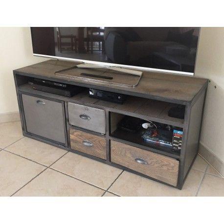 Fabriqué dans nos ateliers de fabrication artisanale ce meuble de tv