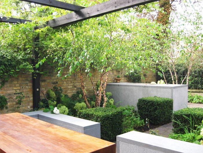 Discrete outdoor kitchen  Jinny Blom notting-hill-garden
