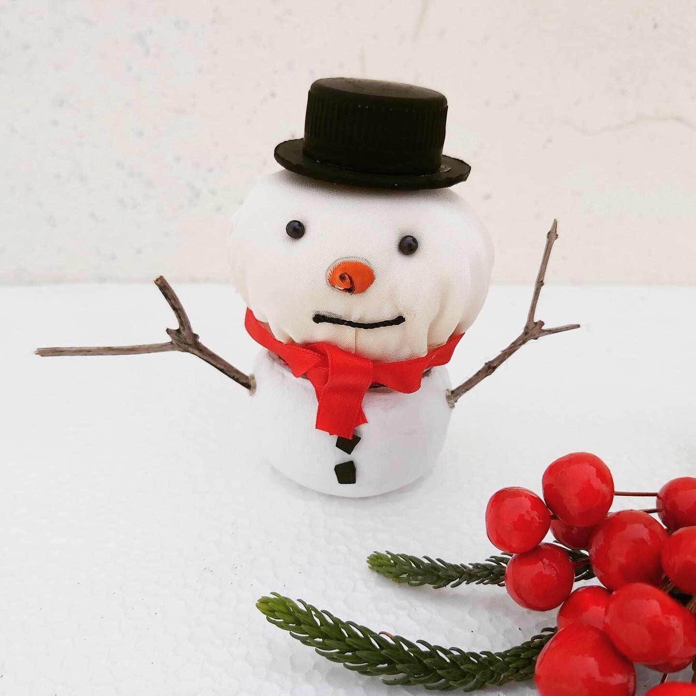 Diy Snowman Jar Diy Bonhomme De Neige صنع رجل الثلج Jar Recycling Winter Decoration Christmas Decoration زينة ع In 2020 Party Themes Diy Crafts Christmas