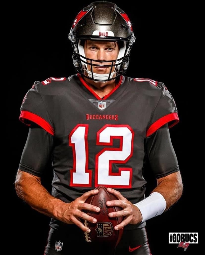 Tom Brady Tampa Bay Buccaneer In 2020 Tom Brady Buccaneers Football Nfl Football Art
