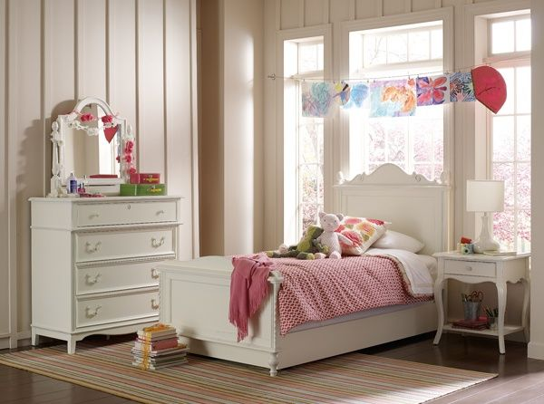 Young America Abigail Standard Furniture Kids Bedroom Sets
