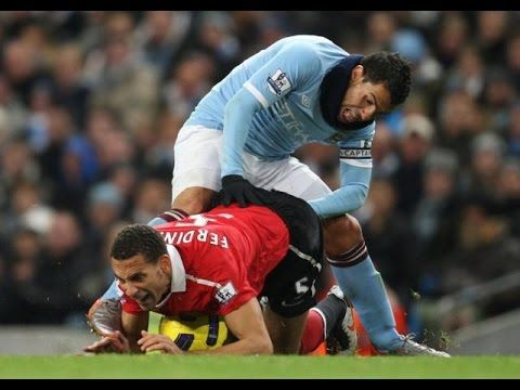 Gambar Foto Lucu Konyol Pemain Sepak Bola Funny Sports Pictures Perfectly Timed Photos Football Funny Moments