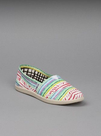 TOMS Shoes Youth Classic Canvas Iken