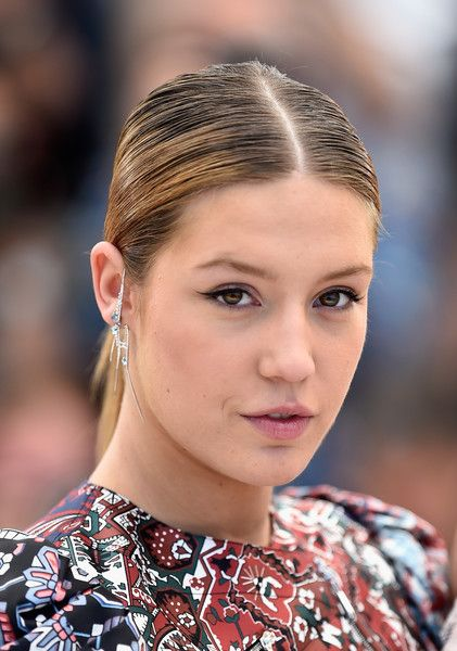 Adele Exarchopoulos Ponytail - Adele Exarchopoulos sported a neat, center-parted ponytail at the Cannes photocall for 'The Last Face.'