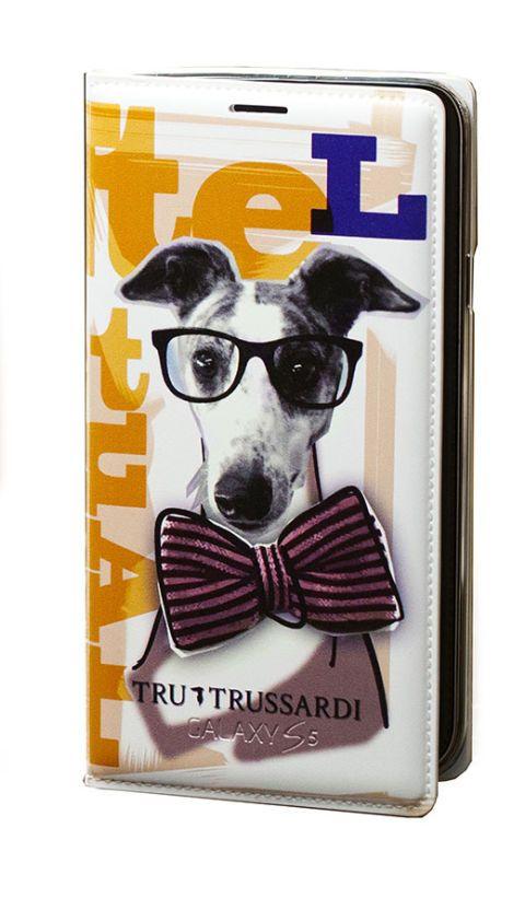 A libretto con papillon e occhiali, Tru Trussardi  -cosmopolitan.it