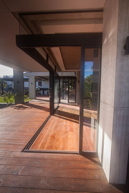 Capral 900 series stacking door frameless 90 degree corner part of our installation in a & Capral 900 series stacking door frameless 90 degree corner part of ...