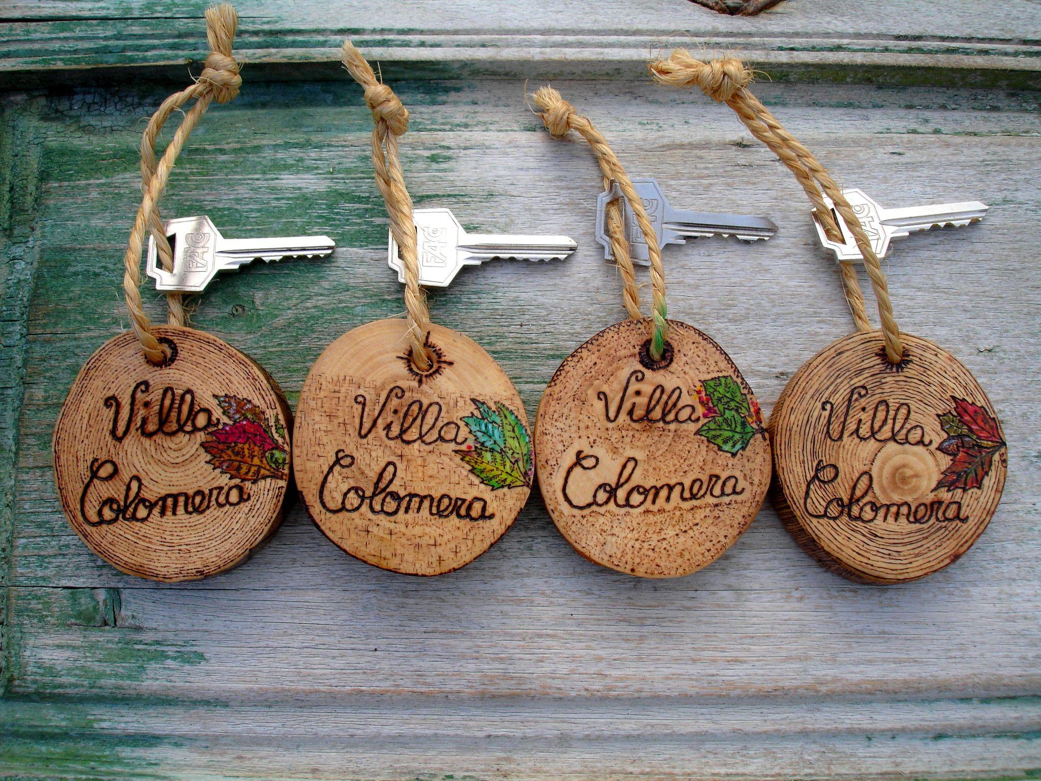 Llaveros madera rodajas de madera pinterest llaveros - Regalos originales para la casa ...