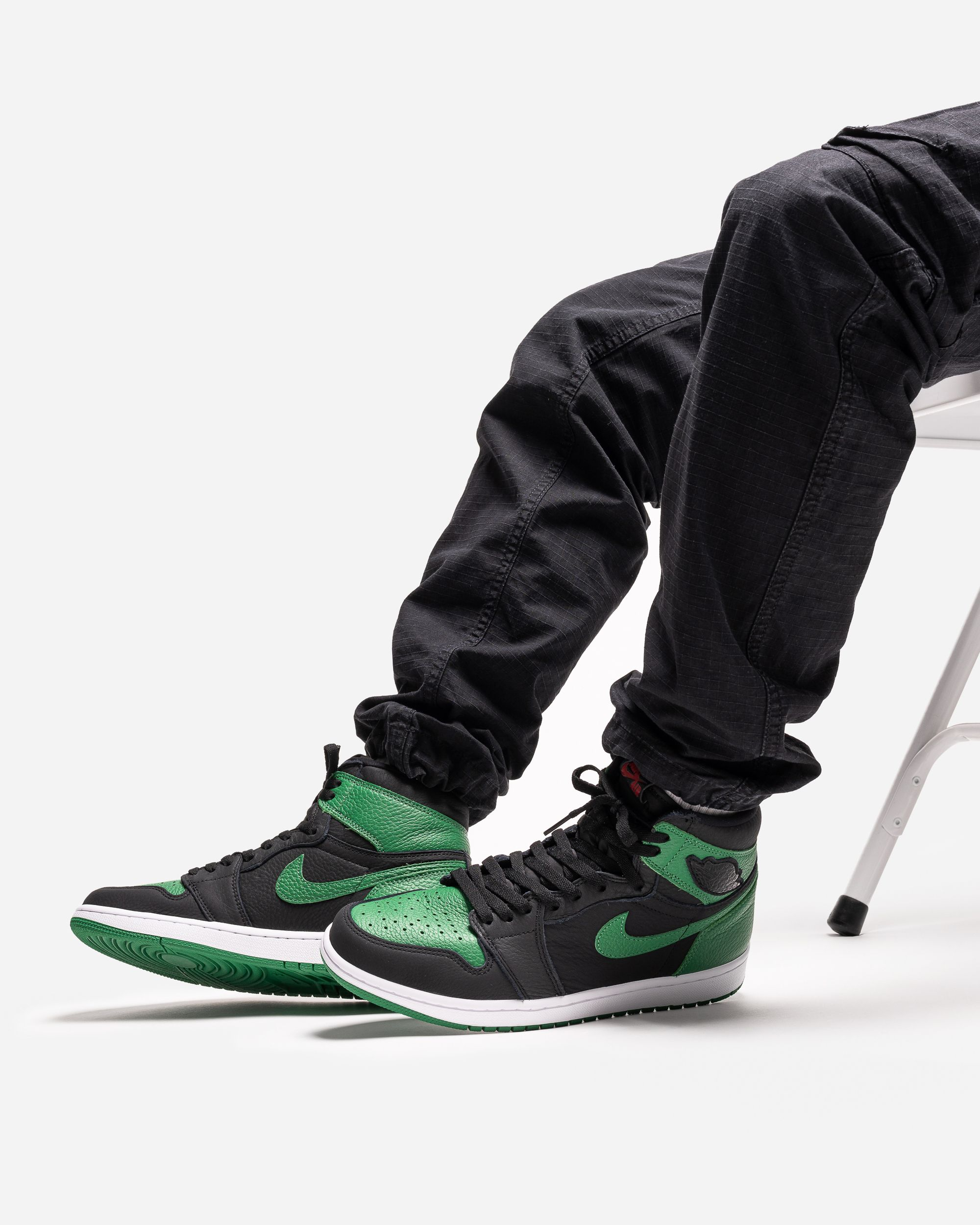 Air Jordan 1 Retro High Og Pine Green In 2020 Air Jordans Jordan 1 Retro High Jordan 1