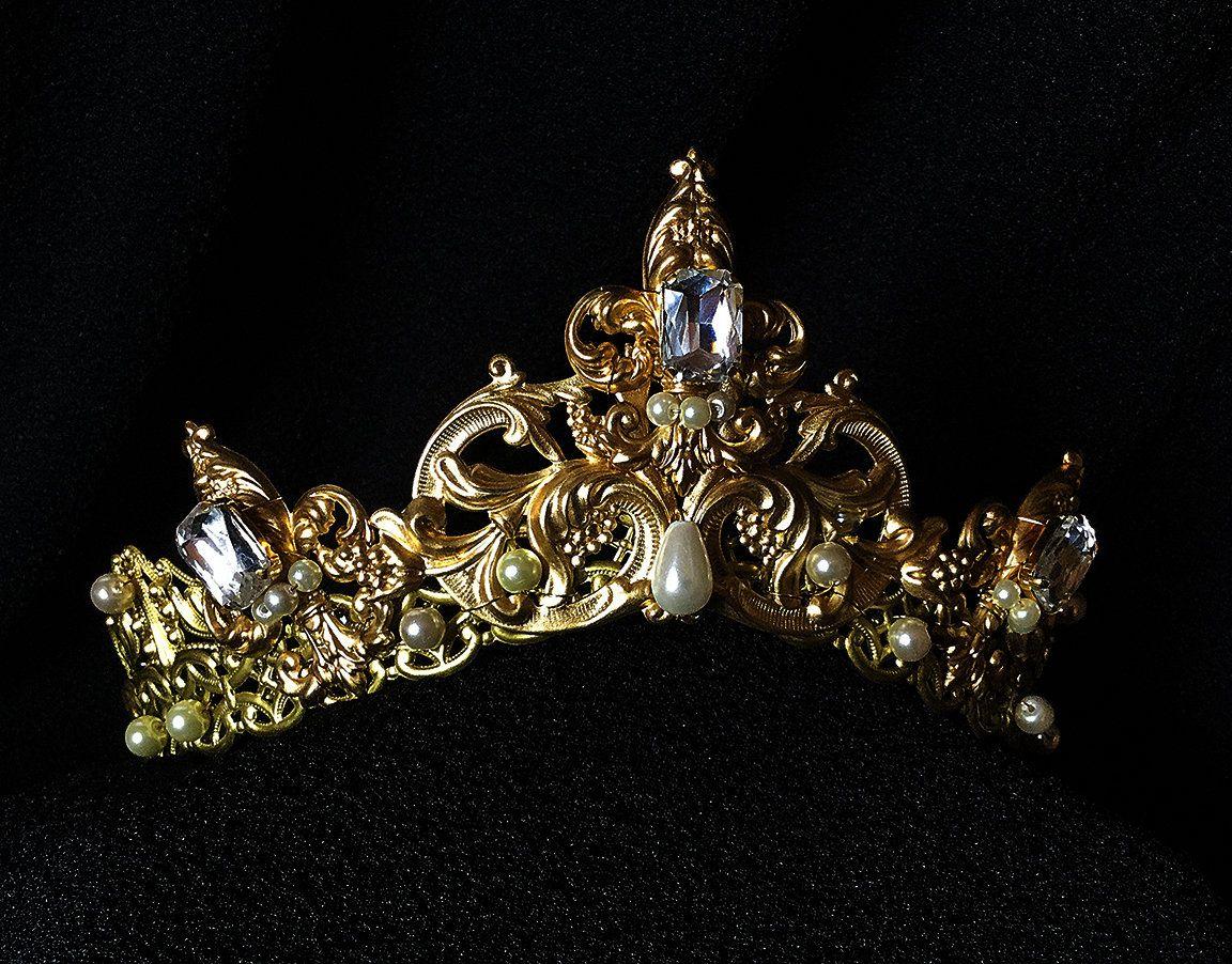 Bridal Tiara--wedding tiara--Tudor crown--Medieval crown--wedding headpiece--Reign  crown--bridal headpiece--princess crown by CourtlyCharm on Etsy 9db0b370c47c