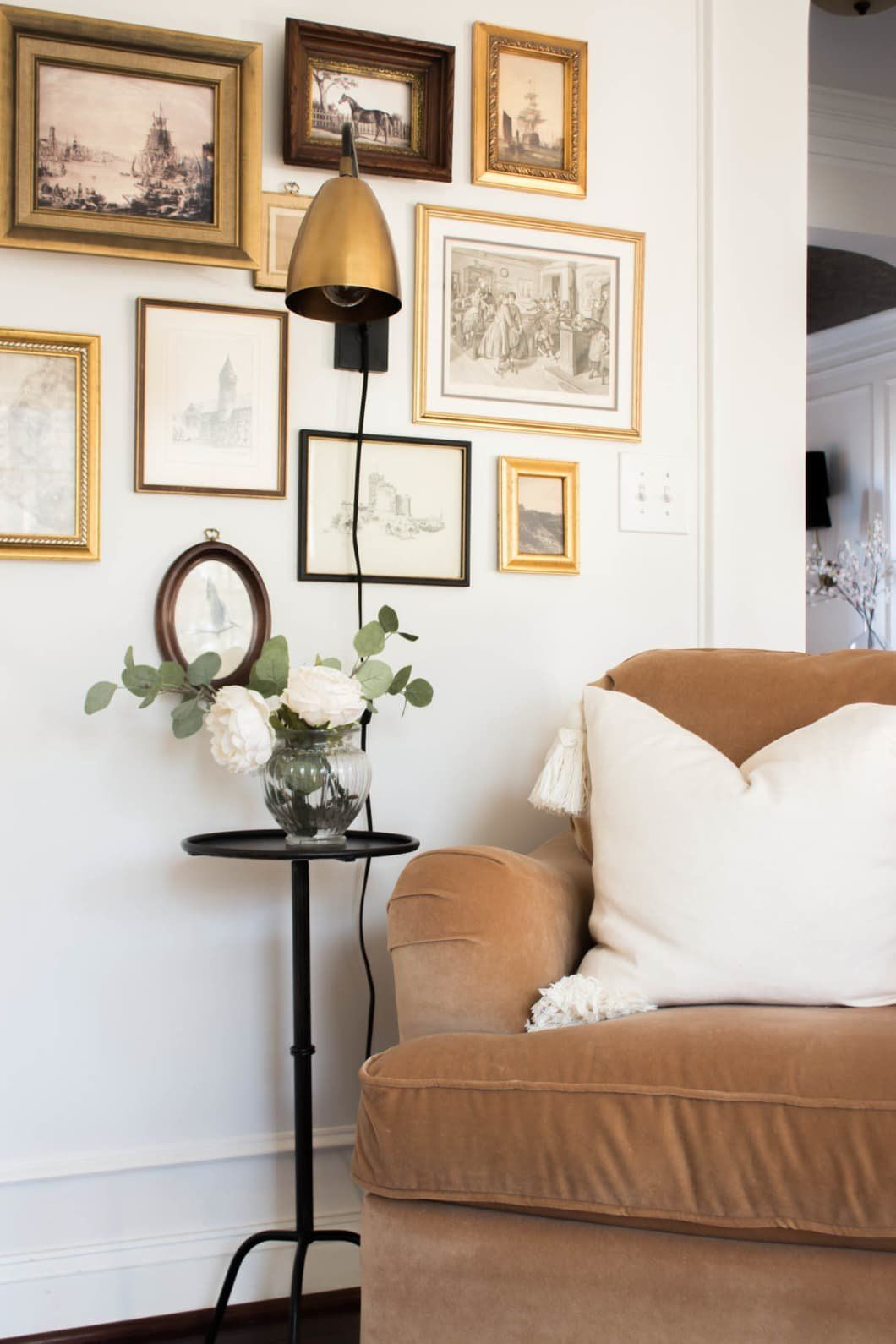 Photo of An Eclectic Virginia House Is Serving Up Chunky Crown Molding and Ceiling Wallpaper Inspiration