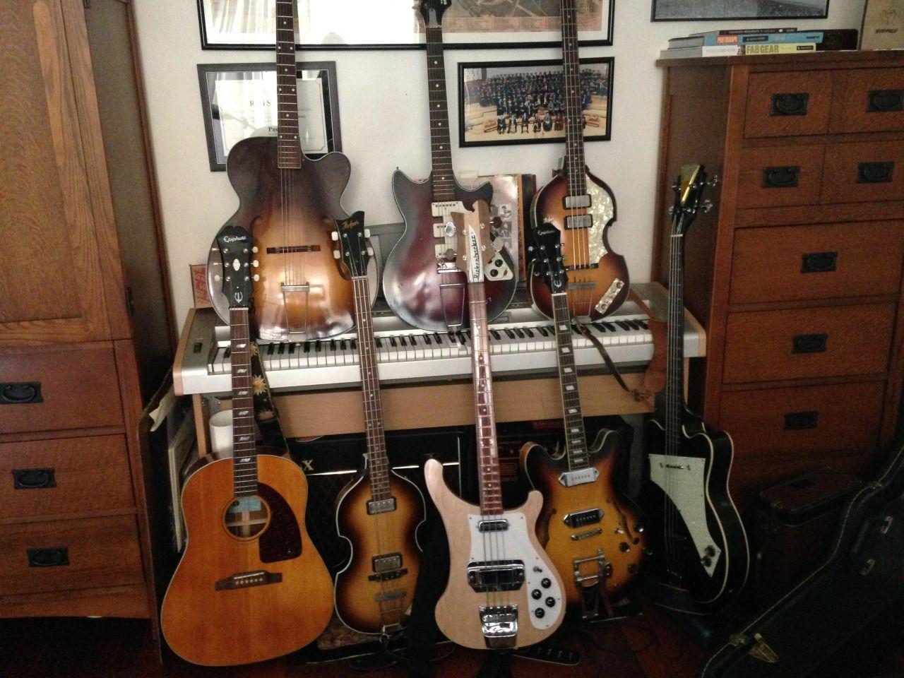 PAUL McCARTNEY Miniature Guitar Rickenbacker w//Guitar Pick