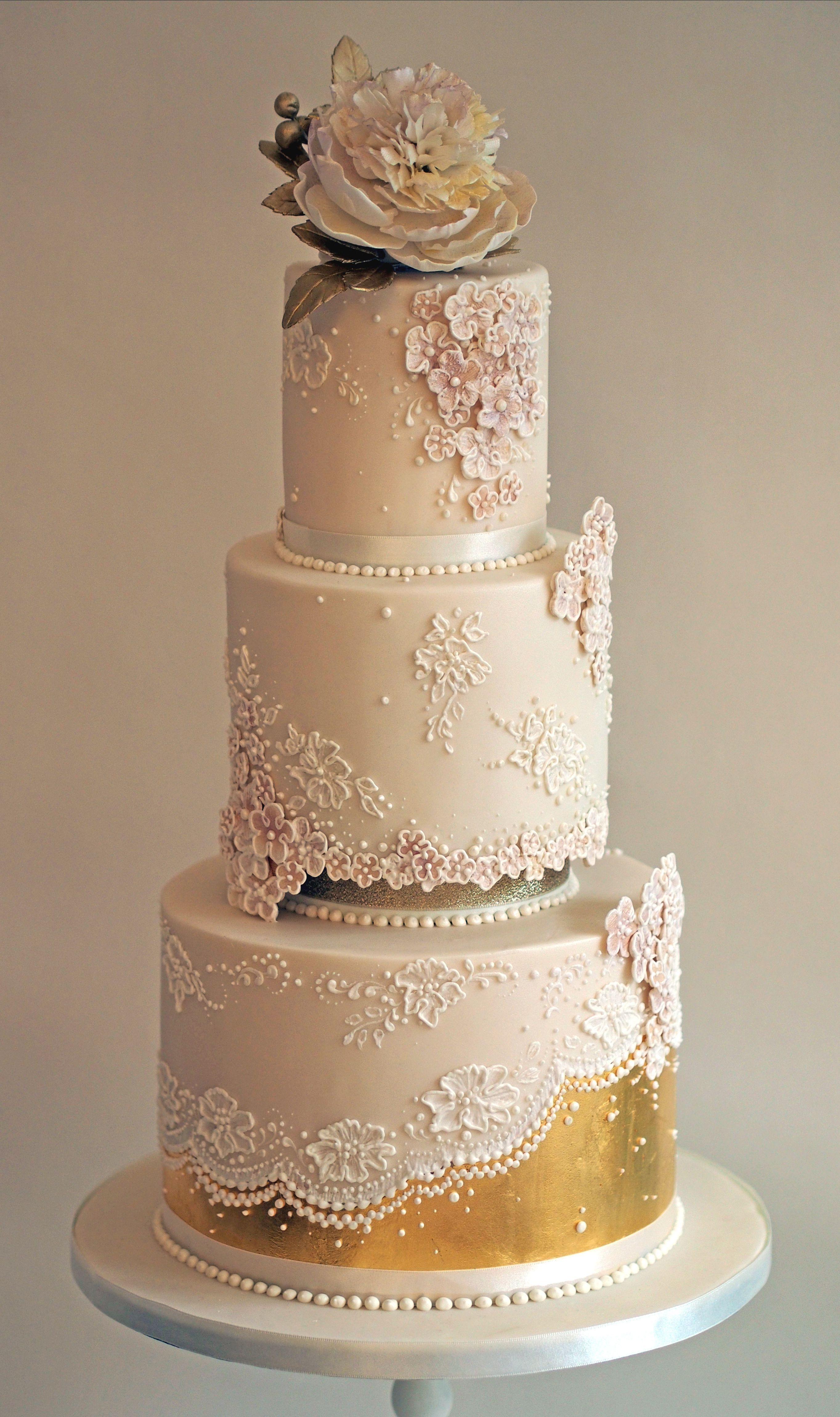 Rose Gold Wedding Cake Weddingcakes Gold Wedding Cake Elegant