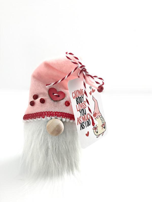 How to Make a DIY Christmas Gnome Ornament Valentines