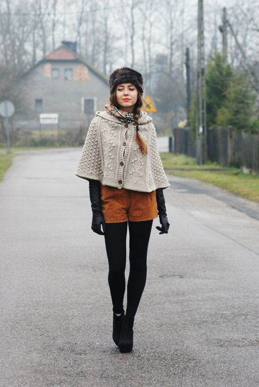 must.  knit.  this.  capelet.