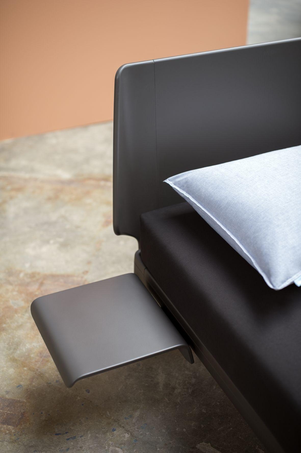 auping designbett essential in carbon black design by. Black Bedroom Furniture Sets. Home Design Ideas