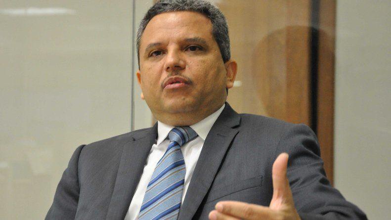 Fidel Santana pide a la Cámara de Diputados investigar causas de que se le impidiera entrar a EE. UU.
