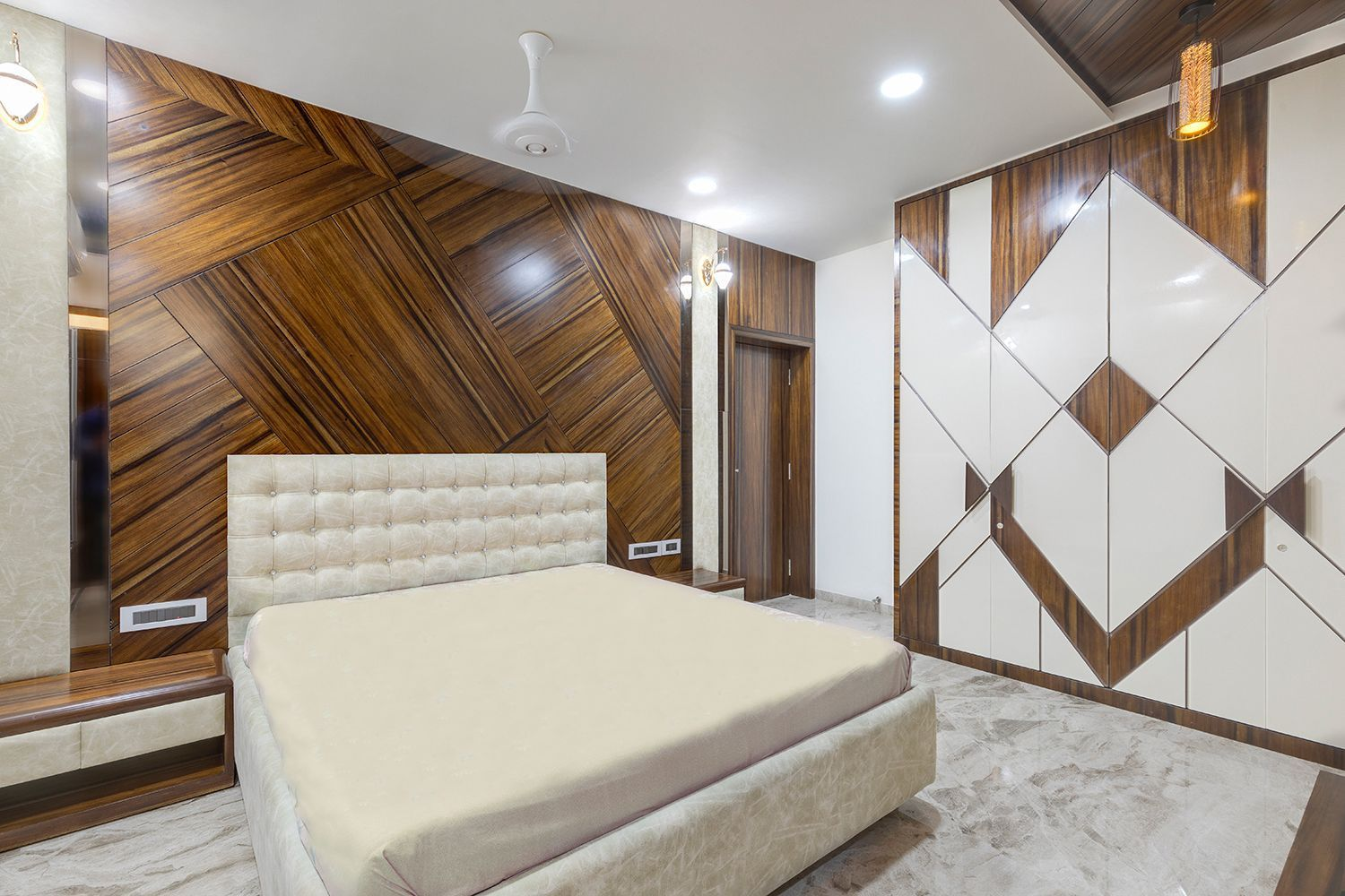 Wooden Theme in 🛏 Bedroom designed with Wooden 🛏 Bed ...