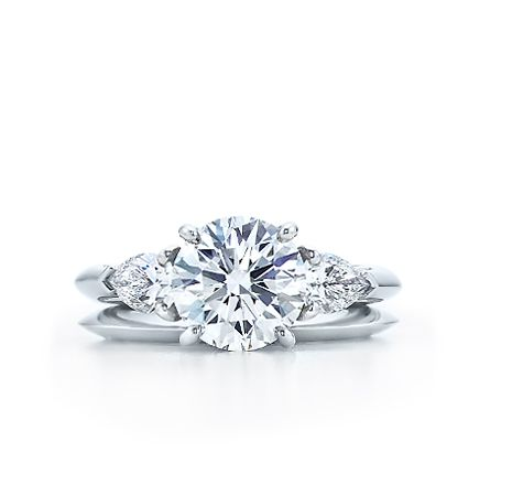 Round Brilliant With Pear Shaped Side Stones Engagement