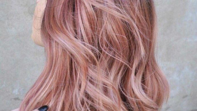 haarfarbe blond ros gold ist der letzte schrei f r 2016 frisuren blond haarfarbe blond. Black Bedroom Furniture Sets. Home Design Ideas
