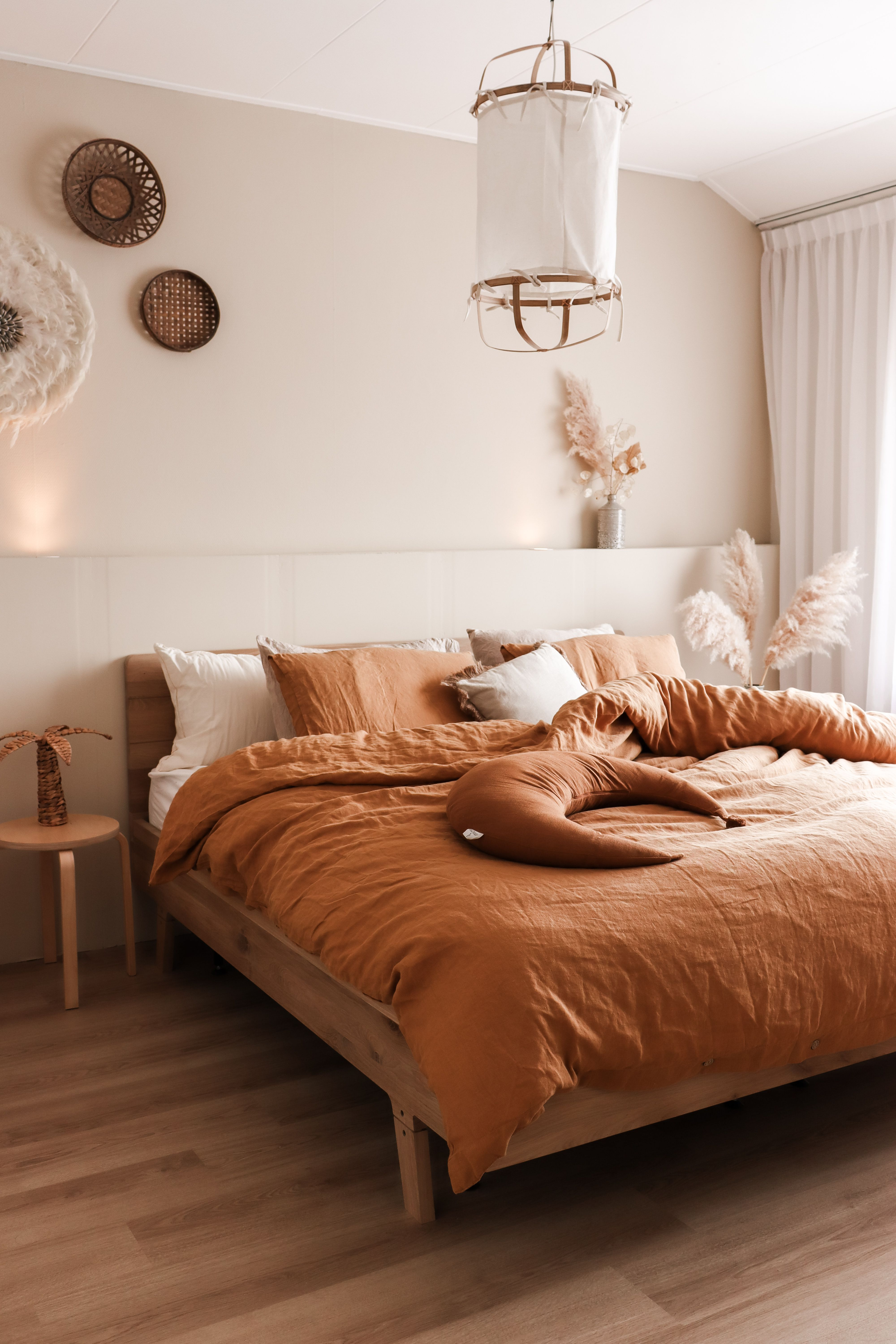 Earthy Bedroom Inspiration This Fall  MagicLinen  Bedroom