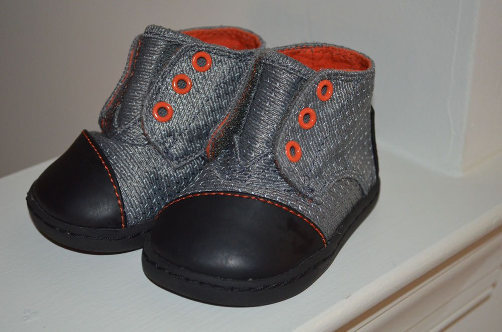 65494fc1602 T3 Baby Boys TOMS Shoes Ankle Boots Gray Black Two Tone Walking Casual Dress   Toms