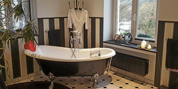 ¿Cómo pintar una bañera acrílica?   Bañeras, Decoracion ...