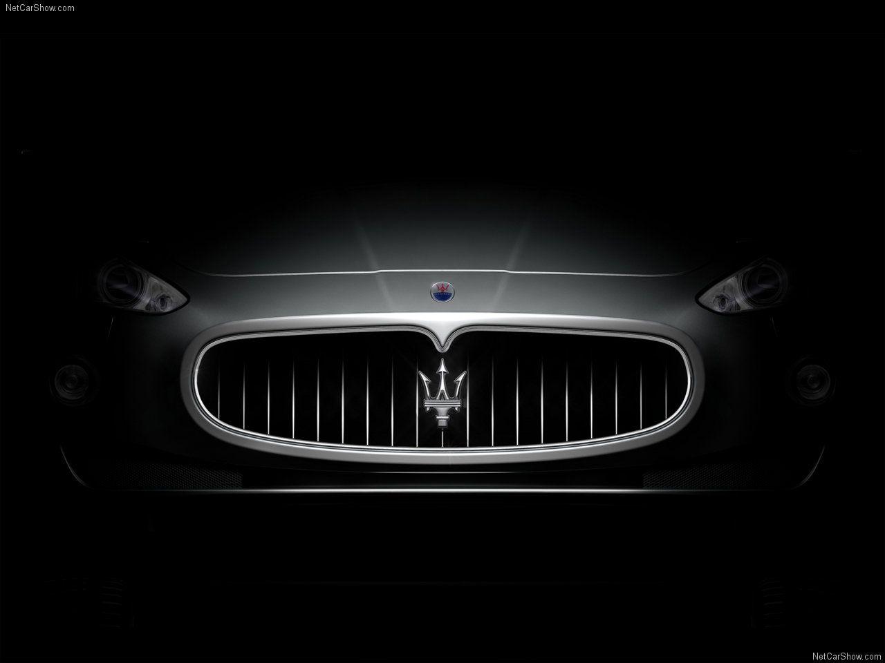 Maserati Logo In Grill Wallpaper HD Desktop