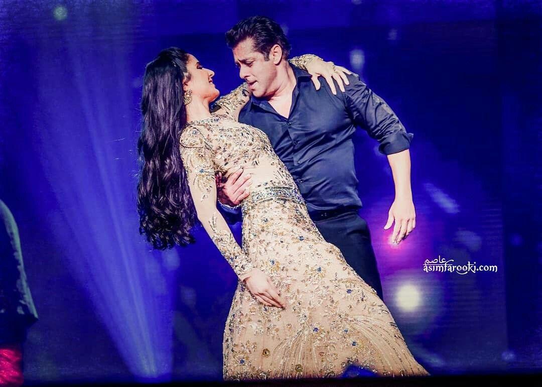 e34c02da5c Salman khan and Katrina performance at Dabangg tour reloaded