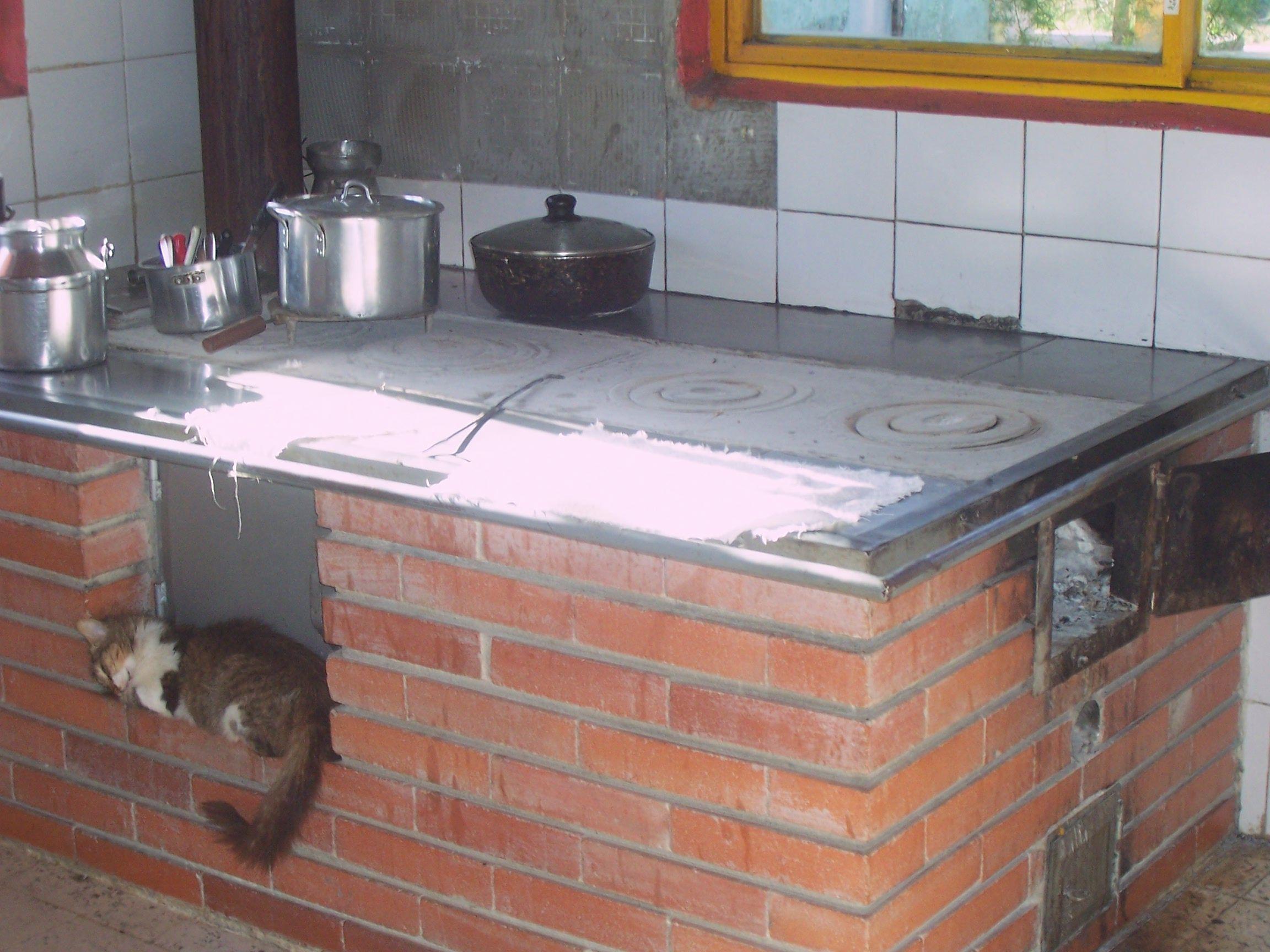 Cocina de le a en quimbaya quind o colombia - Como hacer una cocina de lena ...