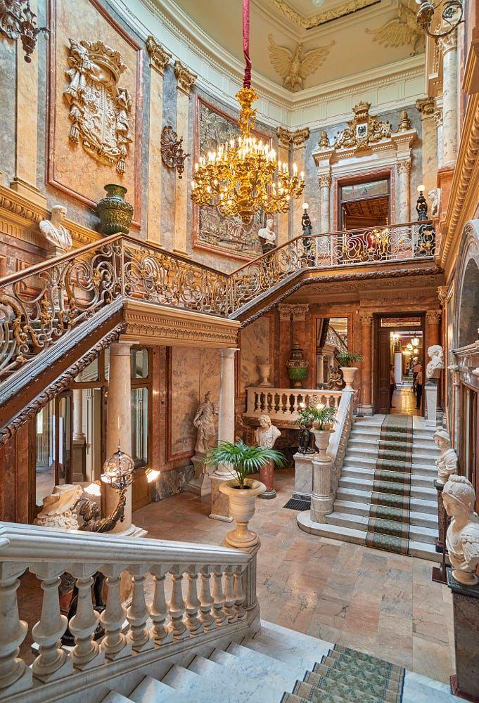 gran portal y escalera de honor - palacio de cerralboyaroslav