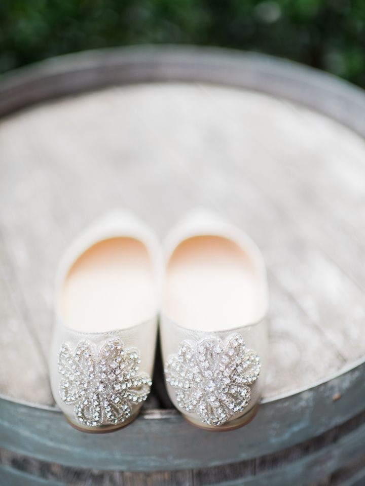 Sweet and Stylish Flat Wedding Shoes | Sandal bridal shoes | diamante flat wedding shoes #weddingshoes #sandals #simpleweddingshoes #flatweddingshoes #flatbridalshoes