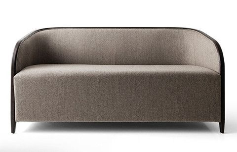 Designed by Nicola Nerboni for Bross, the Brig Sofa 家具