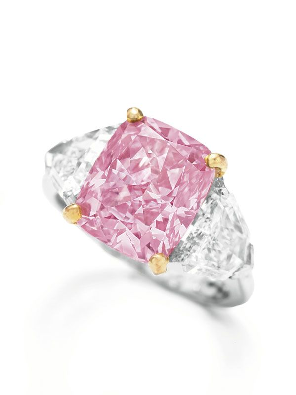 Vivid Pink Diamond This 5 Carat Cushion Shaped Fancy Vivid Pink Diamond Set A Record For The Highest Per Carat Price For Any Gem When It Sold For 10 83