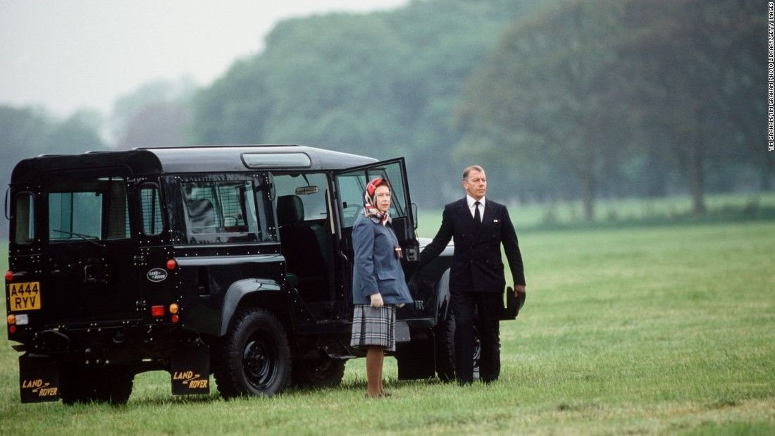 Queen Elizabeth II first learned to drive in 1945 as part of the Auxiliary…
