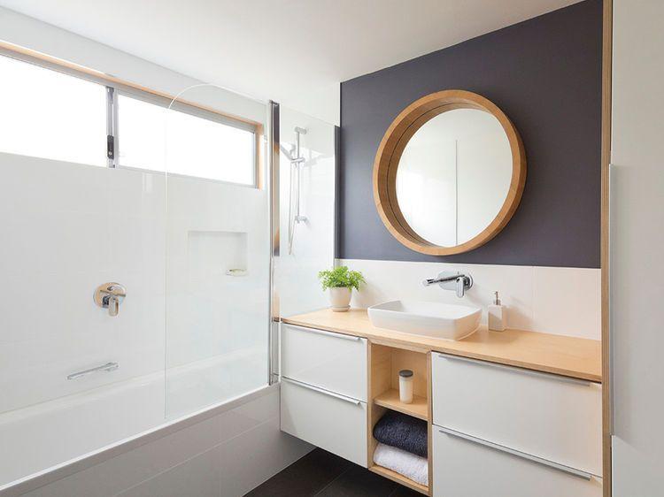 Carrelage de salle de bain  coups de pinceau pour coup de frais déco