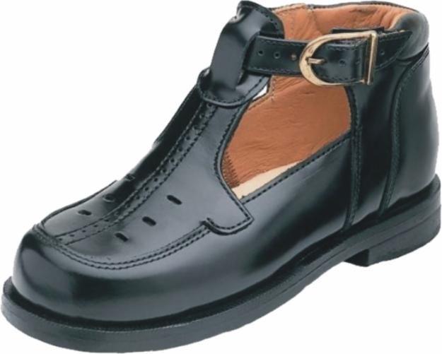 b8c3b6ff Excelente y preciosos modelo de zapatos ortopédicos de color negro con  correa al tobillo y hebilla