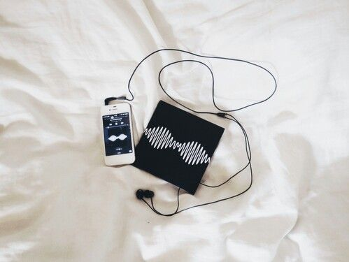 Girl Listening To Music Headphones Tumblr
